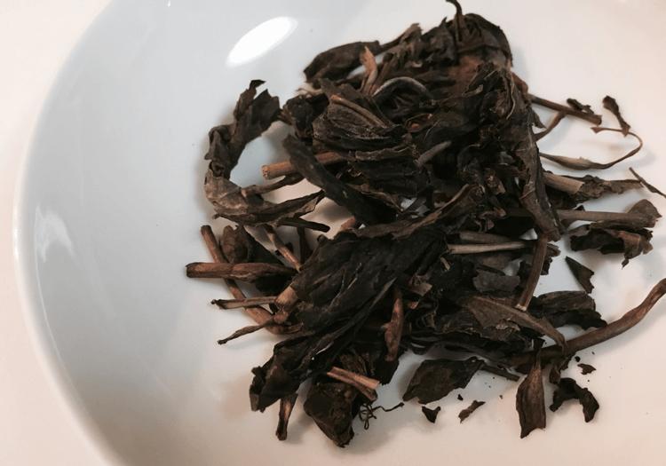 龍神茶の茶葉