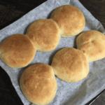薄力粉でパン作り!夜に仕込んで、朝に焼ける簡単パンレシピ。仕込みから焼きまで50分!